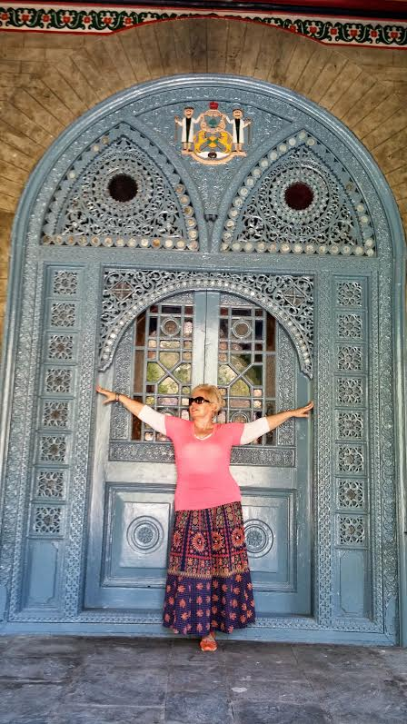 Traveling Lady Moon at Palace door, Rampur